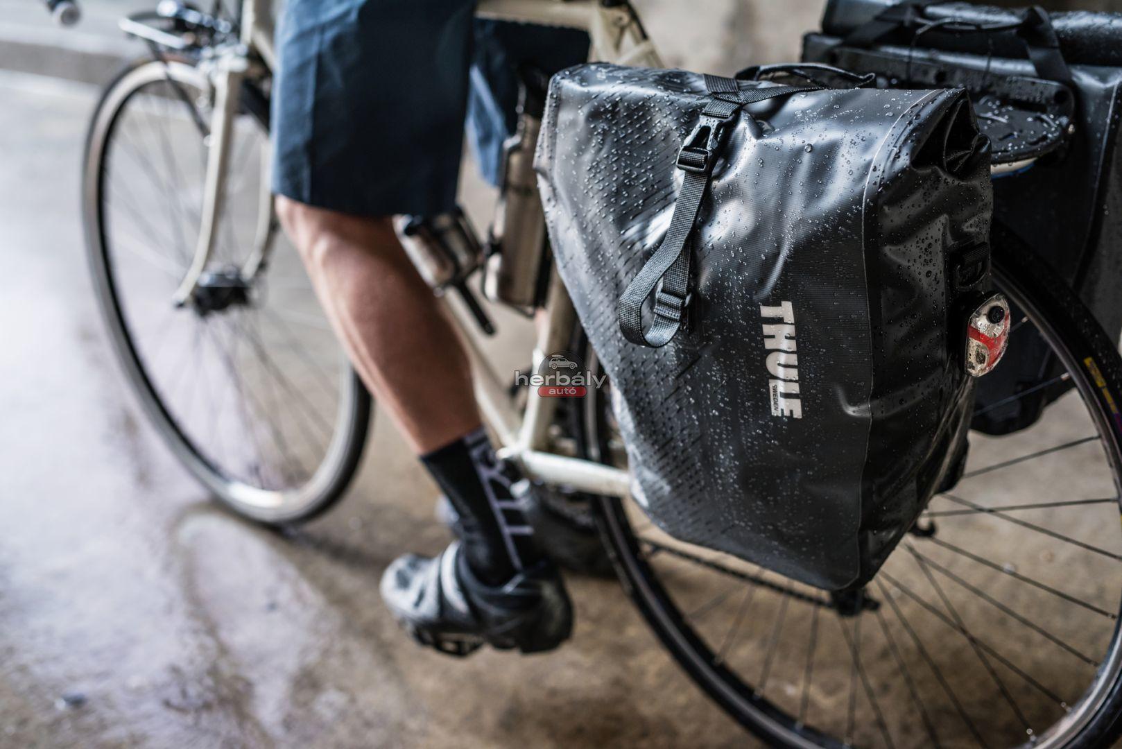 Thule Pack n Pedal Shield Pannier 100067 kerékpár táska, zöld